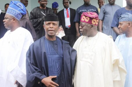 Group Of APC Members Tell The 'Aged' Bola Tinubu To Forget About His 2023 Presidential Ambition, And Allow The Very Sound Vice President Yemi Osinbajo Emerge As The Next President Of Nigeria